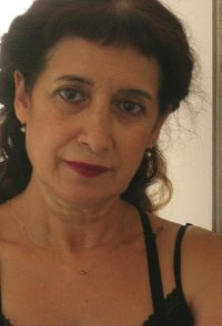 Dina Zvi-Riklis