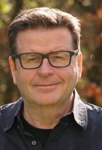 Simon West