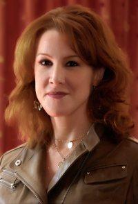 Janet Tamaro